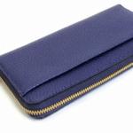 ネイビーの財布
